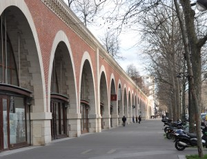 La promenade plantée, notre référence, symbole d'une volonté (J. Chirac) mise au service de tous les Parisiens.