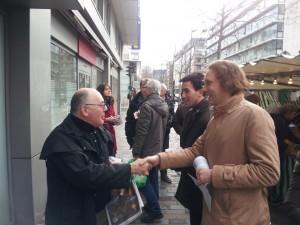 A la rencontre d'habitants pendant la campagne municipale (ici à Bercy)