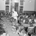 Lunchtime_in_the_canteen_at_Chipstead_Council_School_in_Surrey_during_1942._D11010