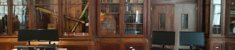 Une des salles du lycée Arago rénové qui valorise le patrimoine ancien tout en implantant du mobilier fonctionnel pour l'enseignement